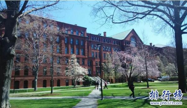 美国十大名校排行榜 哈佛大学走出8位总统133位诺奖得主